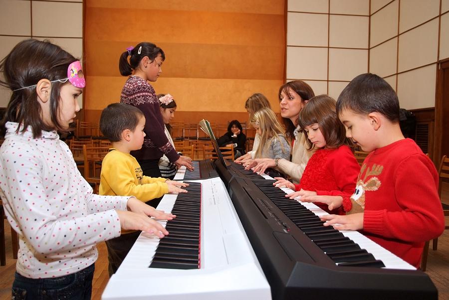 Uchim zaedno piano